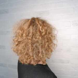 салон красоты рязань, парикмахерская, стрижка, окрашивание волос, осветление волос, омбре, шатуш, балаяж, мелирование, тонирование волос, блонд, вьющиеся волосы, кучерявые волосы